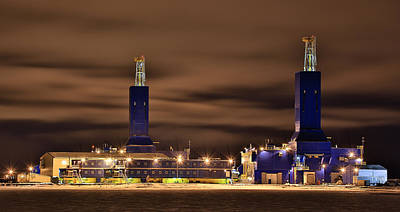 Parker Drilling Rigs In Prudhoe Bay Alaska Print by Sam Amato