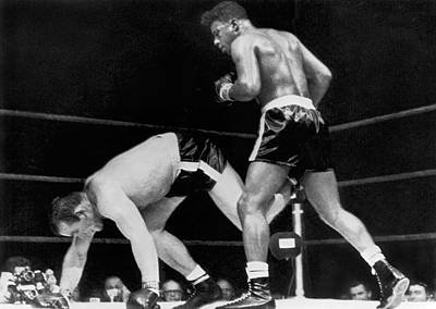 Knockout Photograph - Patterson Beats Johansson by Underwood Archives