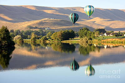 Northwest Photograph - Peaceful Balloon Rally Day by Carol Groenen