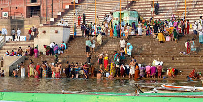 Cremation Ghat Photograph - People In The River by John And Laurel Rodgers