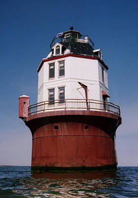 Chesapeake Bay Photograph - Point No Point Lighthouse Chesapeake Bay Maryland by Wayne Higgs