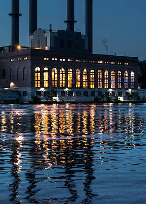 University Of Minnesota Photograph - Power Plant On The Mississippi by Jim Hughes