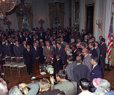 President Johnson Signs Civil Rights Print by Science Source