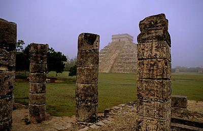 Pyramid At Chichen Itza Print by Cliff Wassmann