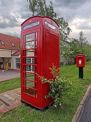 Old Phone Booth Photograph - Quintessentially British by Gill Billington