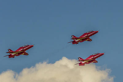 Raf Red Arrows In The Air Print by Paul Madden