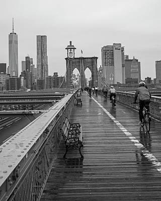 Bike Races Photograph - Rainy Day On The Brooklyn Bridge Brooklyn New York Bike Race Black And White by Toby McGuire