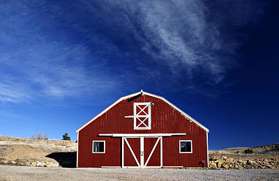 Red Barns Photograph - Red And White Barn by Marilyn Hunt
