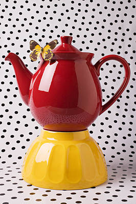 Yellow Butterfly Photograph - Red Teapot With Butterfly by Garry Gay