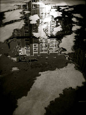 Modern Photograph - Reflection by Joseph Thiery