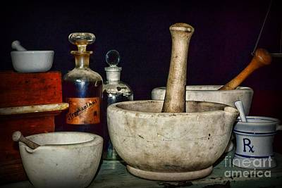 Retro Mortar And Pestle Print by Paul Ward