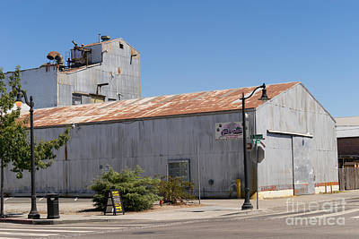 River Town Feed And Pet Country Store In Petaluma California Usa Dsc3840 Print by Wingsdomain Art and Photography