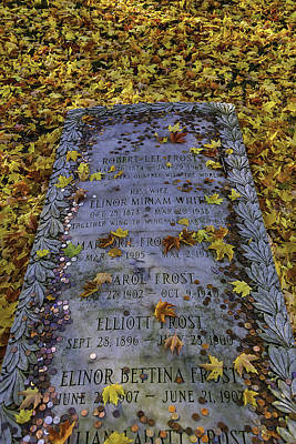 Bennington Photograph - Robert Frosts Grave by Garry Gay