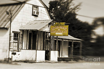 South Louisiana Photograph - Roberto's by Scott Pellegrin