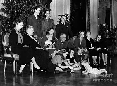 Grandmother Photograph - Roosevelt: Family, 1939 by Granger