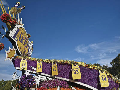 Magic Johnson Photograph - Rose Parade 2016rp040 by Howard Stapleton