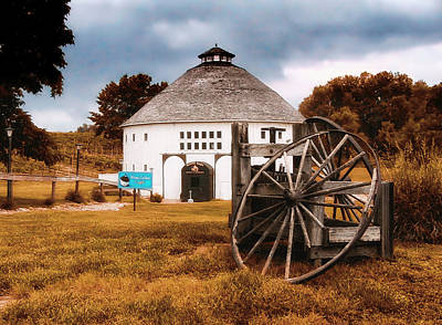 Rural Decay Mixed Media - Round Barn by Thomas Woolworth