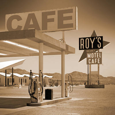 Motel Digital Art - Route 66 - Roy's Motel  by Mike McGlothlen