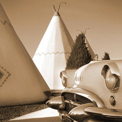 Motel Digital Art - Route 66 - Staying At The Wigwam by Mike McGlothlen