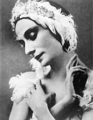 Ev-in Photograph - Russian Ballet Dancer Anna Pavlova by Everett