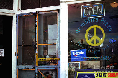Screen Doors Photograph - Sabula Iowa Pizza Joint Front Entrance by Laura Birr Brown
