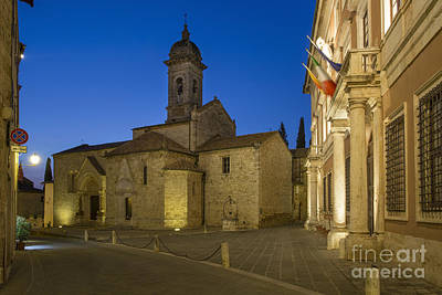Tuscan Dusk Photograph - San Quirico Twilight by Brian Jannsen