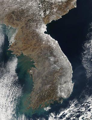 Landmass Photograph - Satellite View Of Snowfall Along South by Stocktrek Images