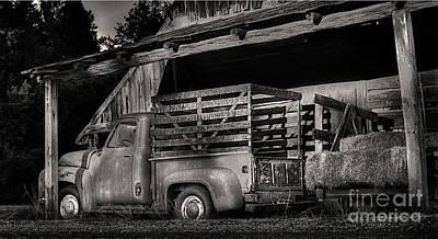 Scotopic Vision 5 - The Barn Original by Pete Hellmann