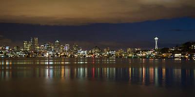 Seattle Skyline From Gasworks Park 2562 Print by Bob Neiman