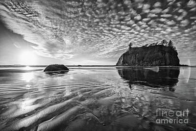 Second Beach Mirror Print by Jamie Pham