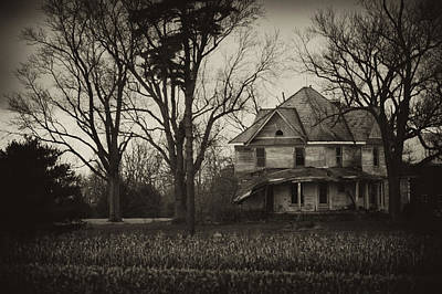 Haunted House Photograph - Seen Better Days by Off The Beaten Path Photography - Andrew Alexander