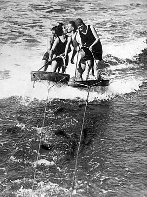 Daring Photograph - Sf Aquaplane Lovers by Underwood Archives