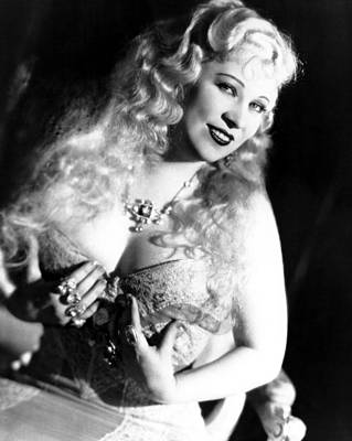 Publicity Shot Photograph - She Done Him Wrong, Mae West, 1933 by Everett