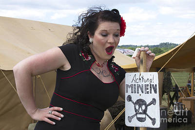 Aghast Photograph - Shocked Pinup by Karen Foley
