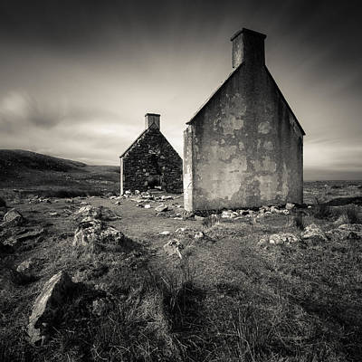 Old House Photograph - Slaggan Ruins by Dave Bowman