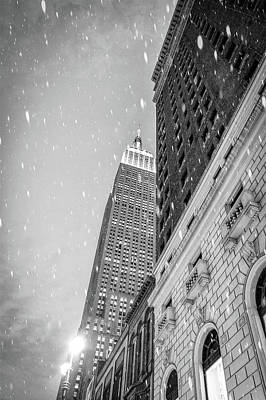 Snow In The City Print by Rick Grossman
