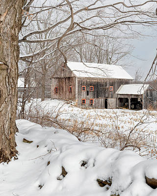 Classic New England Barns Photograph - Snowy Vintage New England Barn by Bill Wakeley