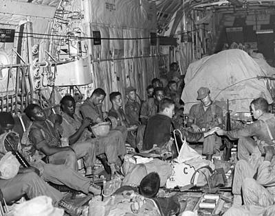 101st Airborne Division Photograph - Soldiers To Battle by Underwood Archives