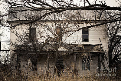 Abandoned Photograph - Spooky White House by Ashley M Conger