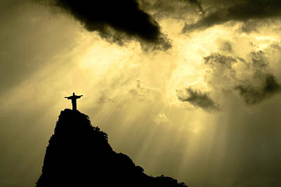 Christ The Redeemer Photograph - Statue Of Christ The Redeemer At Sunset by Zé Martinusso