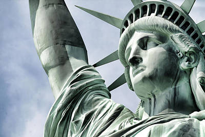 Statue Of Liberty 2 Print by Lanjee Chee