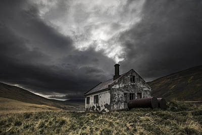 Old House Photograph - Steam Of Time by Bragi Ingibergsson - Brin