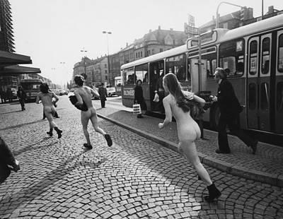 Ev-in Photograph - Streakers In Munich, Germany, 1974 by Everett
