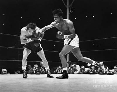 Fighting Photograph - Sugar Ray Robinson by Granger