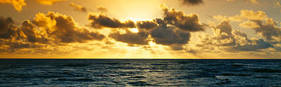 Bodies Of Water Photograph - Sunrise On The Pacific Ocean At Hawaii by Panoramic Images