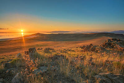 Mountain View Photograph - Sunset From Antelope Island by James Udall