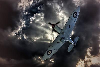 Ww11 Aircraft Photograph - Supermarine Spitfire by Thanet Photos