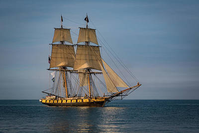 Wooden Ships Photograph - Tall Ship U.s. Brig Niagara by Dale Kincaid