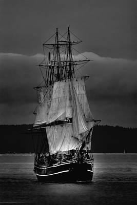 Pirate Ships Photograph - Tall Ships Hms Bounty 2 by David Patterson