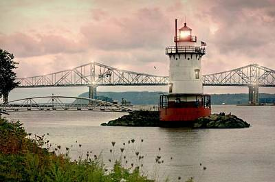 Sunset At The Bridge Photograph - Tarrytown Lighthouse by Diana Angstadt
